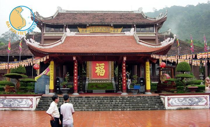 Tour du lịch Hà Nội - Hạ Long - Yên Tử 4 ngày 3 đêm